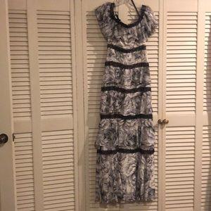 BCBG lace details dress size 2